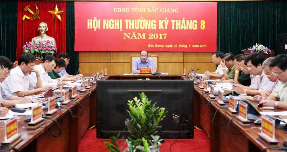 Chủ trì hội nghị, thường kỳ tháng 8, Chủ tịch UBND tỉnh,  Nguyễn Văn Linh, Tập trung, tháo gỡ,  vướng mắc