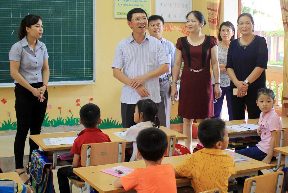 Phó Chủ tịch UBND tỉnh,  Lê Ánh Dương,  Kiểm tra,  công tác,  chuẩn bị,  năm học mới, Lục Ngạn