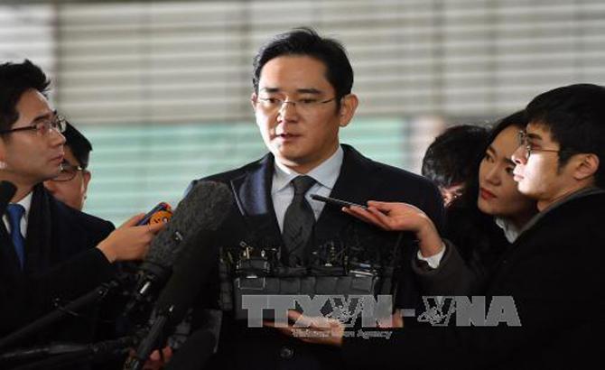 Xã hội Hàn Quốc chia rẽ vì vụ kết án lãnh đạo Tập đoàn Samsung