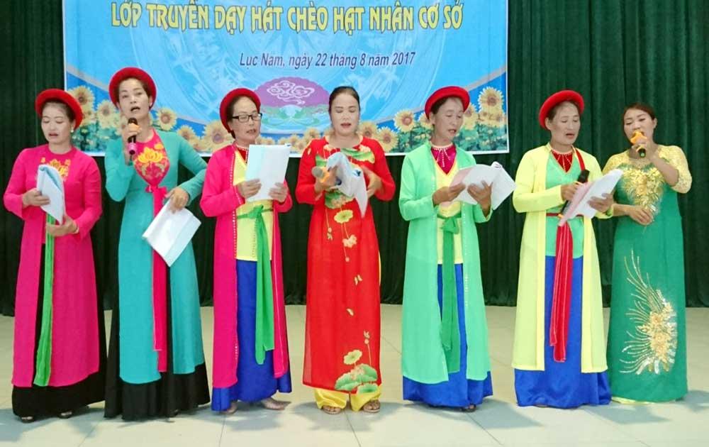 Truyền dạy hát chèo cho hạt nhân văn nghệ tại Lục Nam