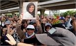 Thông tin mới nhất về việc bà Yingluck rời Thái Lan