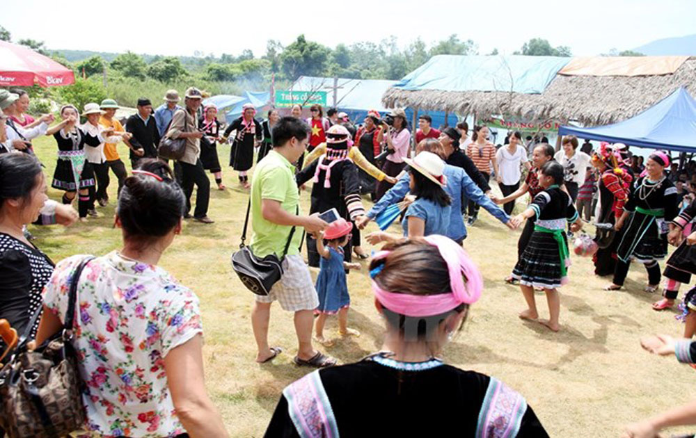 National Day celebrations focus on ethnic groups' culture
