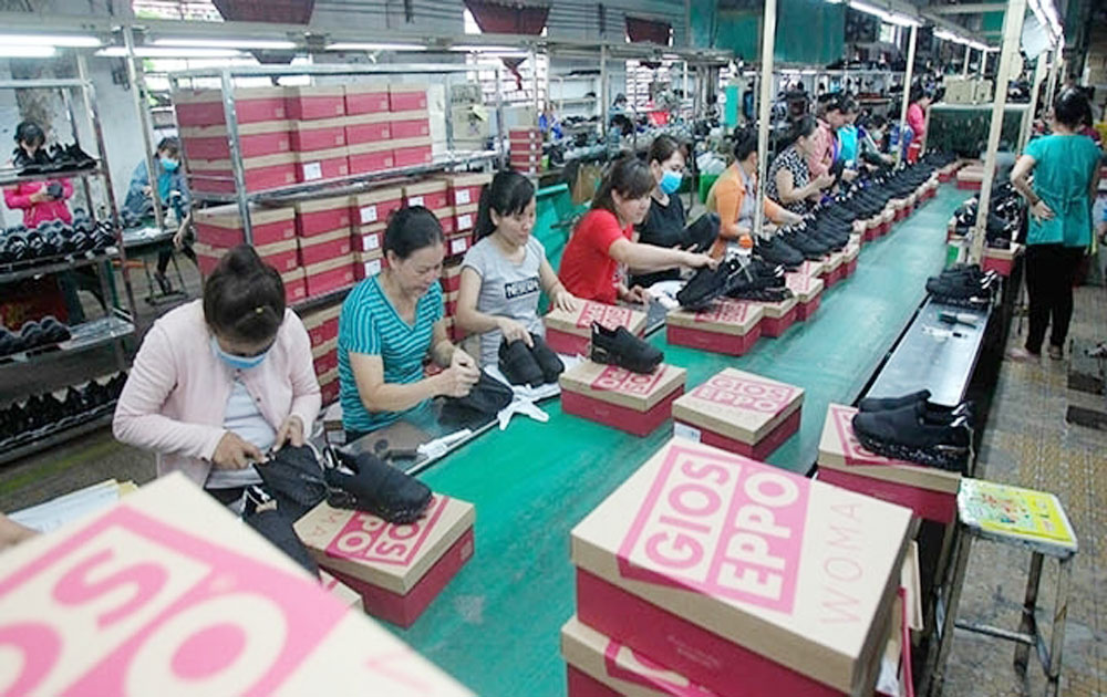 Vietnam witnesses establishment of over 12,400 new enterprises in August