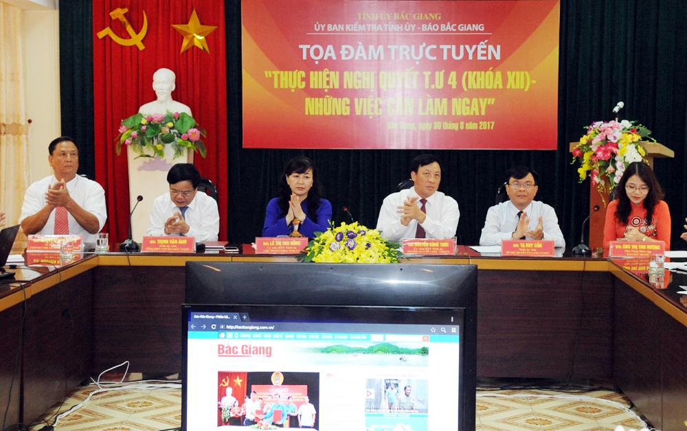 """Tọa đàm trực tuyến """"Thực hiện Nghị quyết Trung ương 4: Những việc cần làm ngay"""""""