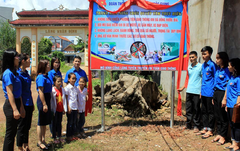 """Ngày hội """"Công dân trẻ với pháp luật"""" tại Sơn Động"""