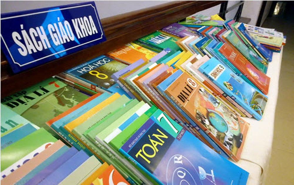 Bảo đảm đủ SGK cho học sinh trong năm học mới