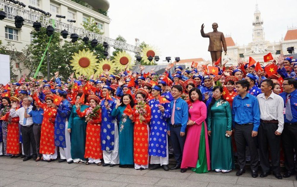 Mass wedding, 100 couples, National Day