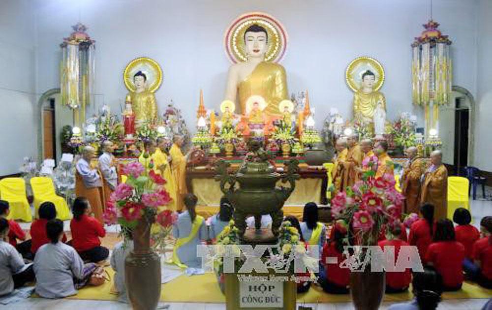 Vietnamese expatriates in Laos observe Vu Lan festival