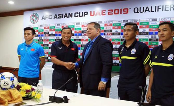"HLV Campuchia, Messi, Việt Nam, Campuchia"""