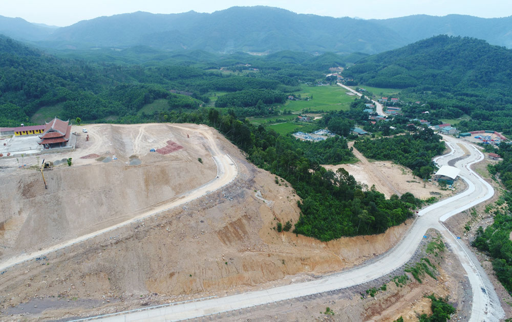 Work on Tay Yen Tu Spiritual Tourism Complex close to completion