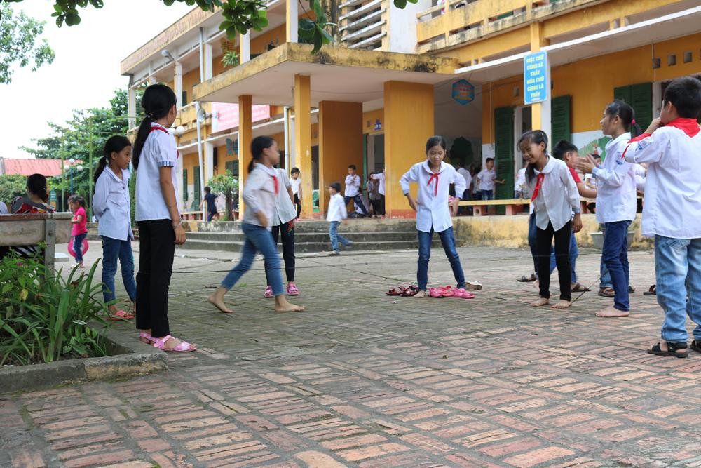 Thành lập tổ thẩm định các khoản thu trong nhà trường năm học 2017-2018