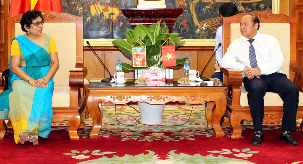 Chủ tịch UBND  tỉnh,  Nguyễn Văn Linh,  tiếp Đại sứ Sri Lanka