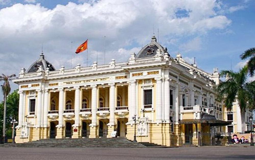 Nhà hát Lớn Hà Nội mở cửa cho khách du lịch