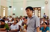 Phó Bí thư Thường trực Tỉnh ủy Thân Văn Khoa đối thoại với đảng viên huyện Việt Yên