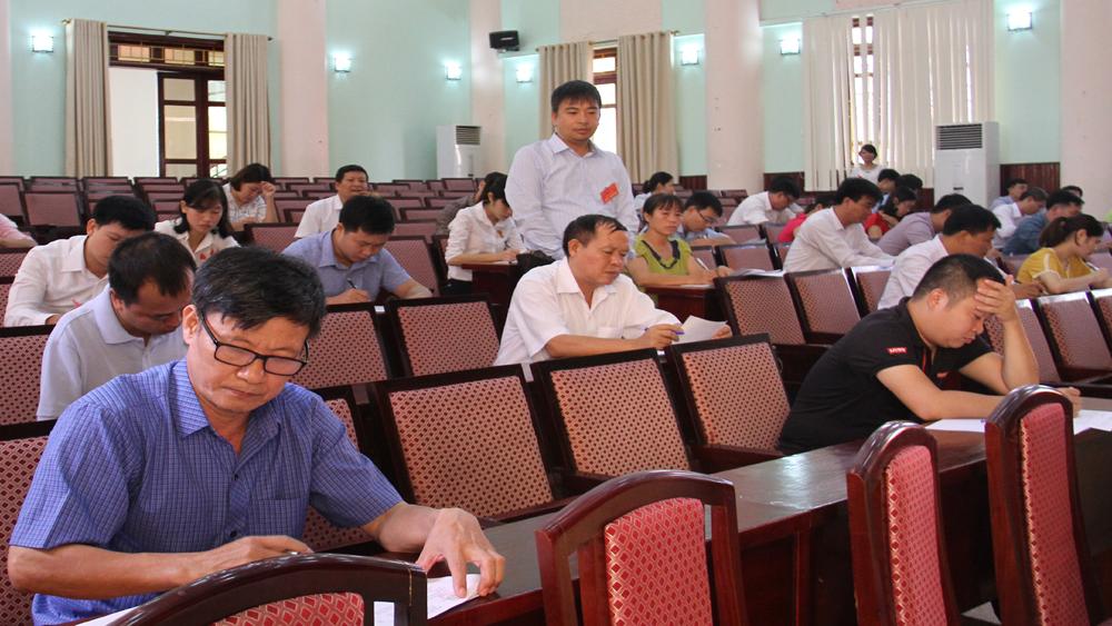 Hội thi công chức Bộ phận tiếp nhận và trả kết quả chuyên nghiệp, thân thiện