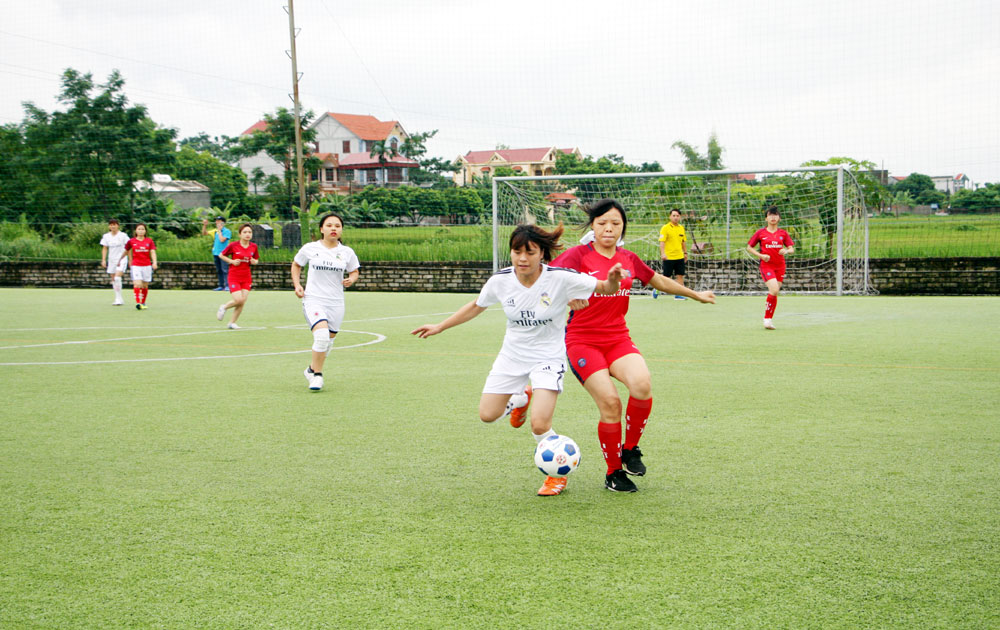 Khai mạc giải Bóng đá nữ công nhân lao động