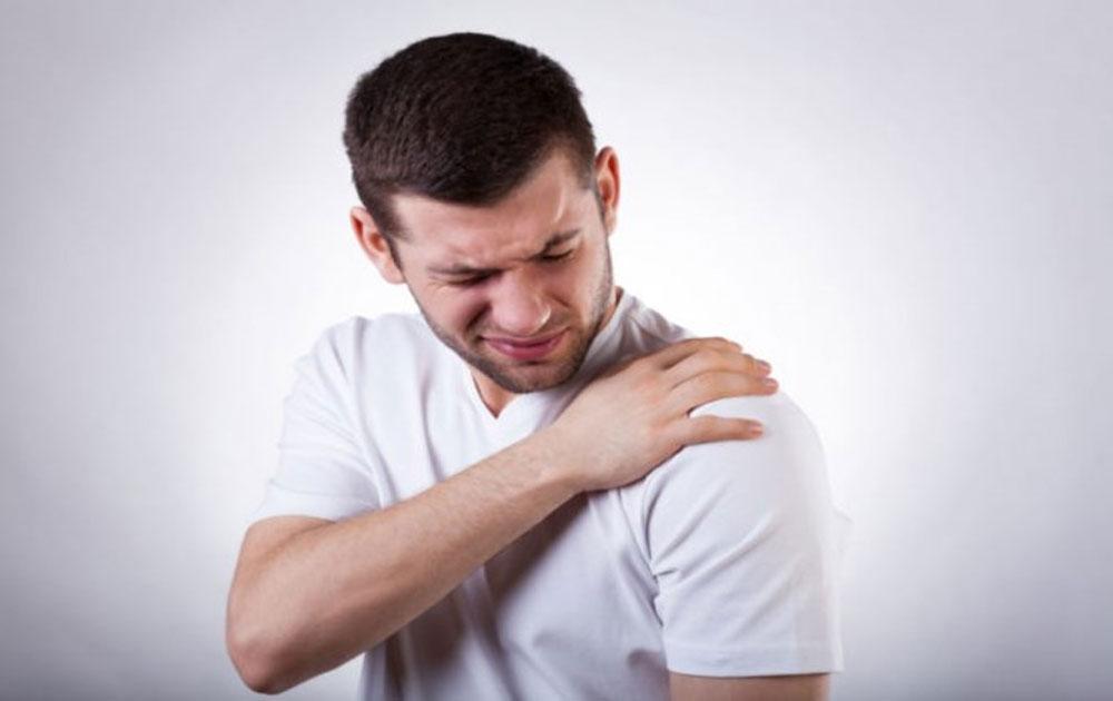Đau vai gáy: Dấu hiệu cảnh báo nhiều bệnh nguy hiểm