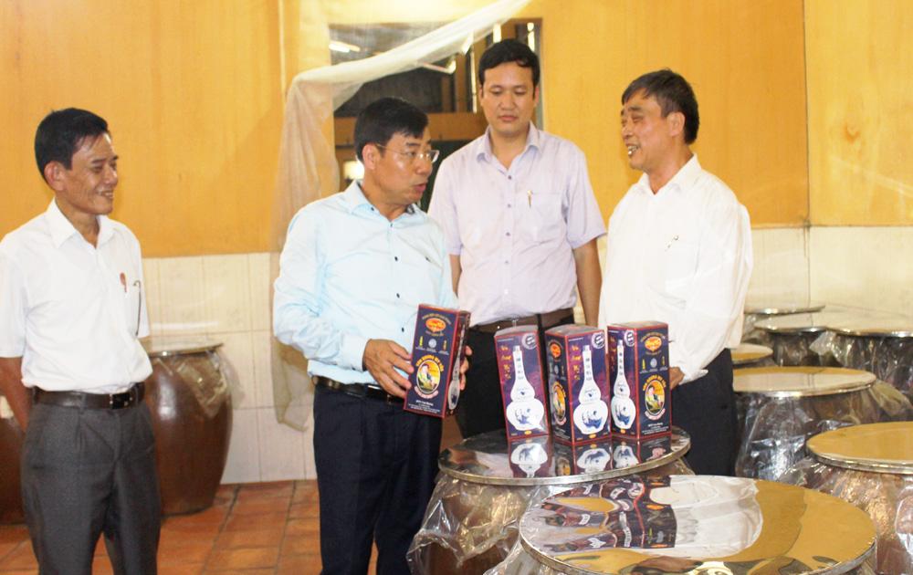 Tổ chức tốt, sản xuất, phát triển, thương hiệu, rượu làng Vân