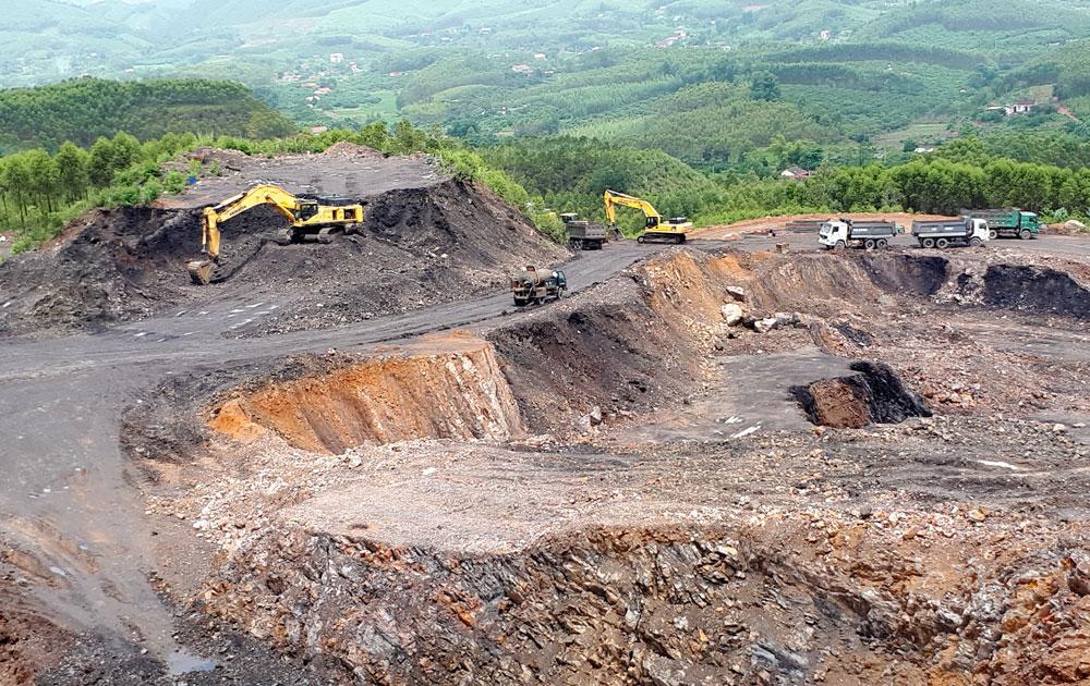 Công ty cổ phần Khoáng sản Bắc Giang: Khai thác than và đổ thải chưa đúng quy định