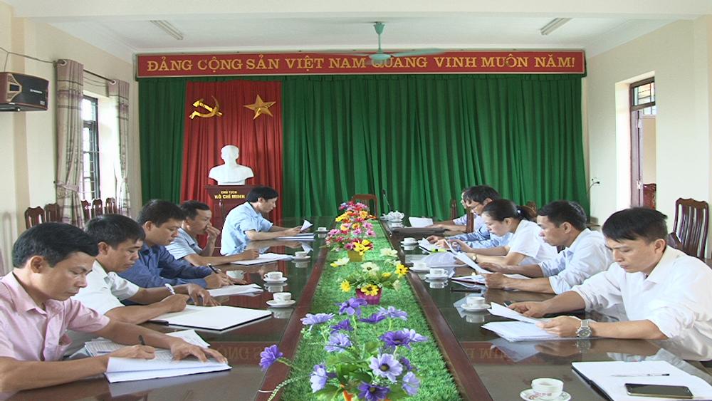 Thường trực HĐND huyện Lục Ngạn giám sát cấp giấy chứng nhận QSDĐ tại Hồng Giang
