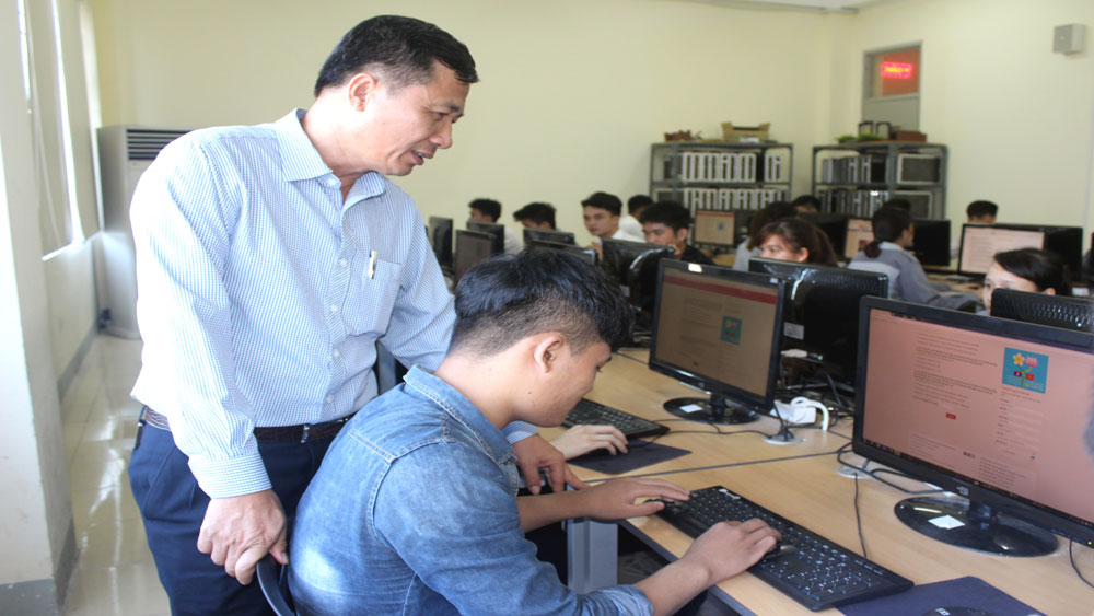 Bac Giang launches contest to study Vietnam-Laos special ties
