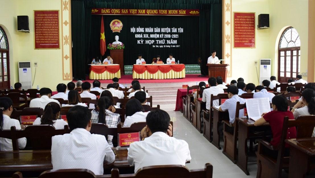 Tân Yên tổ chức kỳ họp thứ 5, HĐND huyện khóa XIX, nhiệm kỳ 2016 – 2021