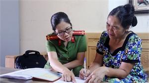 Nữ cảnh sát khu vực Nguyễn Thị Huyền: Bản lĩnh, tận tụy với công việc