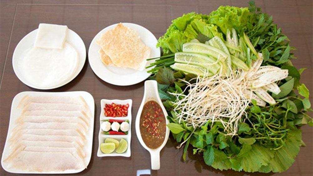 Pork Summer Roll, specialty of Da Nang, most demanding gourmet, universal reputation, boiled pork, tasty sauce, white noodle