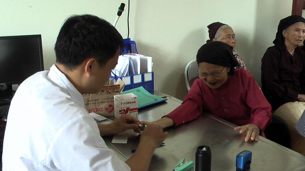 Khám bệnh, tư vấn sức khỏe miễn phí cho người cao tuổi