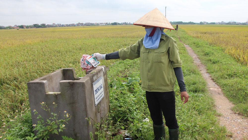 """Nan giải xử lý bao bì thuốc bảo vệ thực vật: Kỳ I - Vỏ thuốc """"phủ"""" ruộng đồng, vườn đồi"""