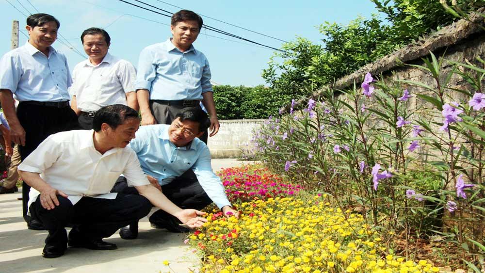 Đoàn công tác tỉnh Yên Bái khảo sát xã nông thôn mới Hồng Giang (Lục Ngạn)