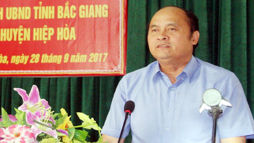 Chủ tịch UBND tỉnh Nguyễn Văn Linh đối thoại với nhân dân huyện Hiệp Hòa