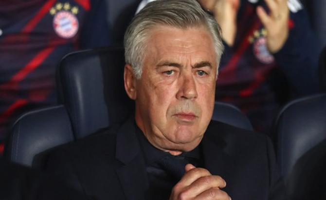 CLB Bayern Munich sa thải HLV Carlo Ancelotti sau thảm bại trên đất Pháp