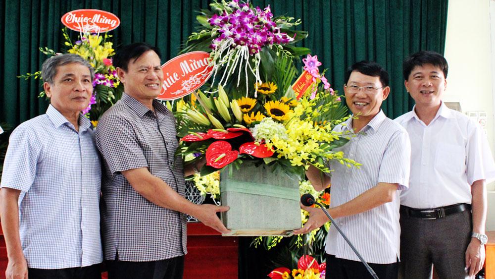 Phó Chủ tịch UBND tỉnh Lê Ánh Dương chúc mừng Hội Người cao tuổi tỉnh