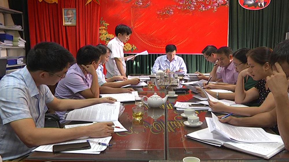 Thường trực HĐND huyện Yên Dũng giám sát tại Ban quản lý dự án đầu tư xây dựng