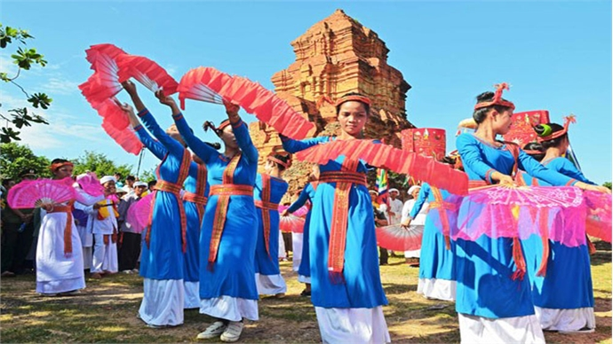 Cham people in Ninh Thuan celebrate Kate festival