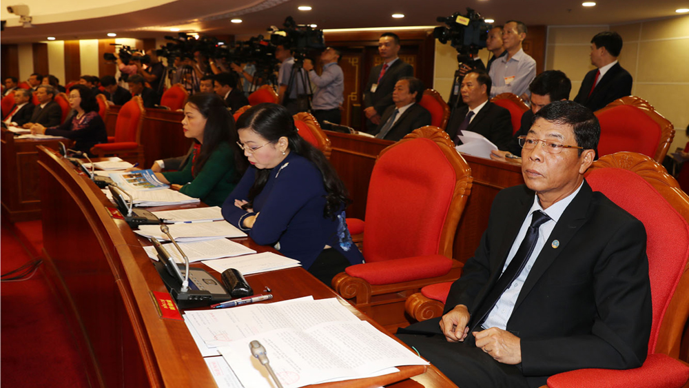 Ngày làm việc thứ hai, Hội nghị lần thứ sáu Ban Chấp hành Trung ương Đảng khóa XII