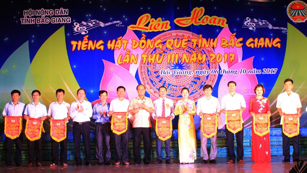 """Liên hoan """"Tiếng hát đồng quê"""" tỉnh Bắc Giang lần thứ III"""