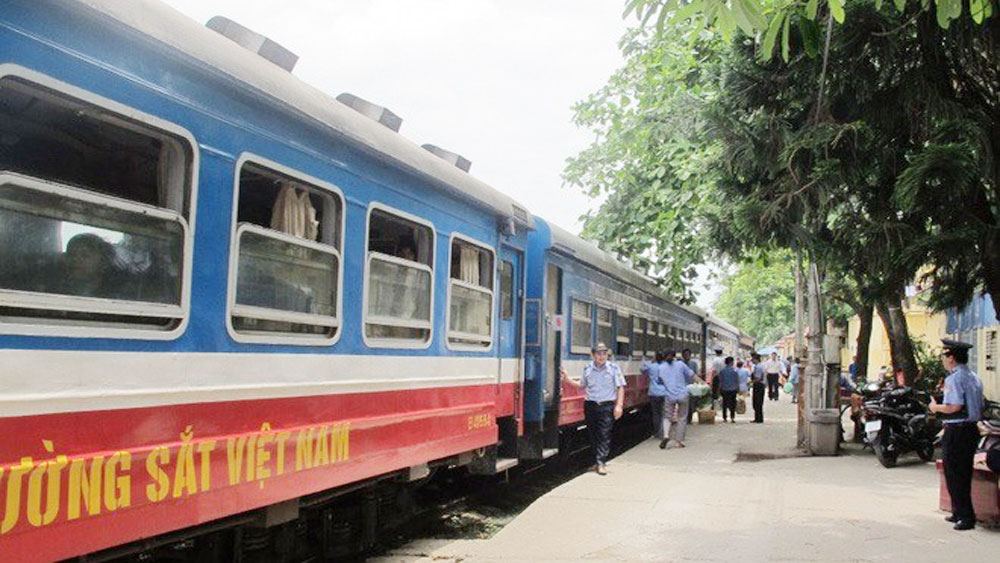 Railways announce extra trains for Tet 2018