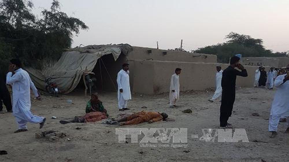 Đánh bom liều chết ở Pakistan, 24 người thiệt mạng