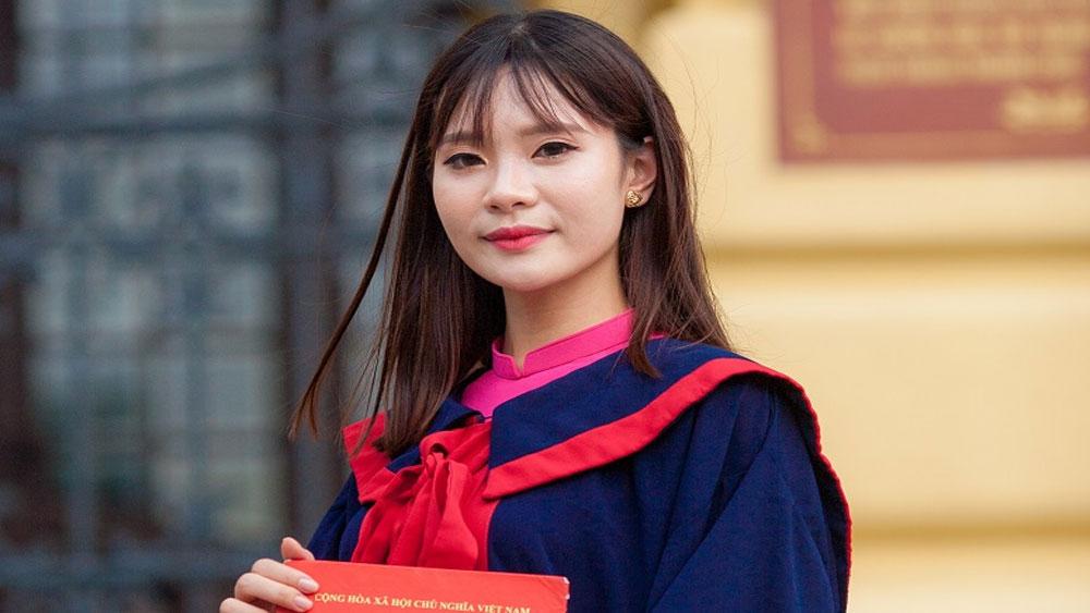 Nữ sinh tốt nghiệp thủ khoa với điểm số tuyệt đối