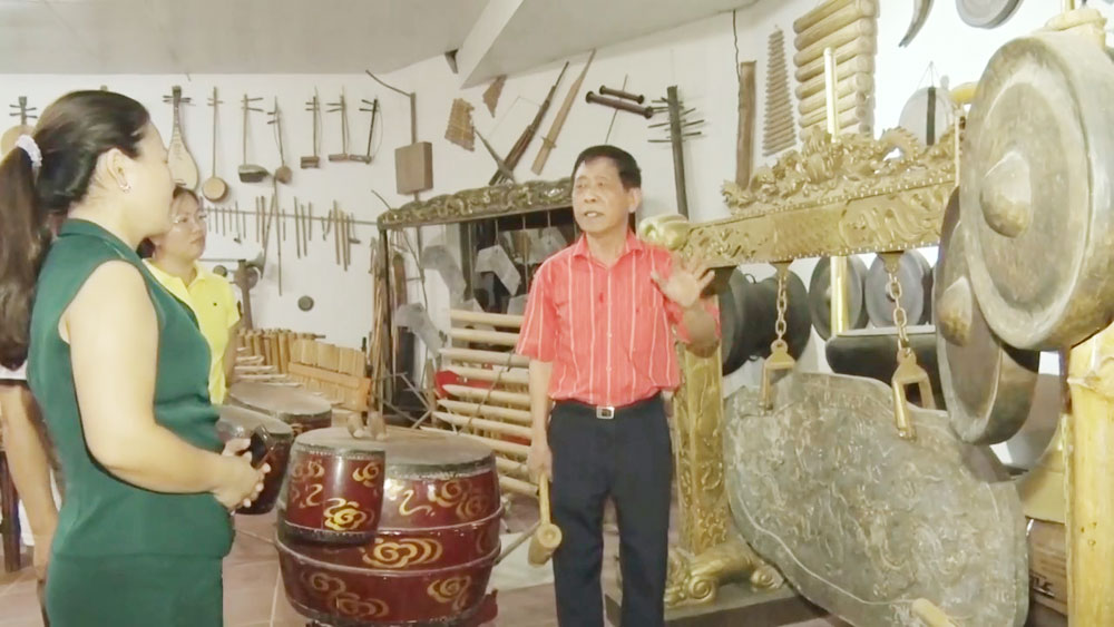 Artist dedicates his life to traditional music