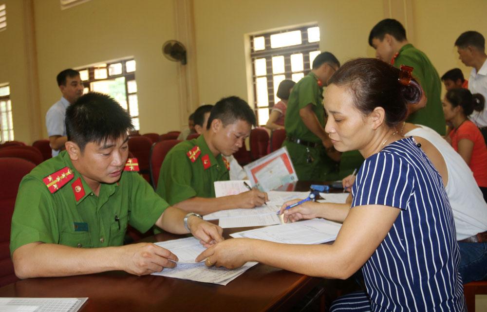 Đăng ký hộ khẩu lưu động: Tăng hiệu quả quản lý, tạo thuận lợi cho nhân dân