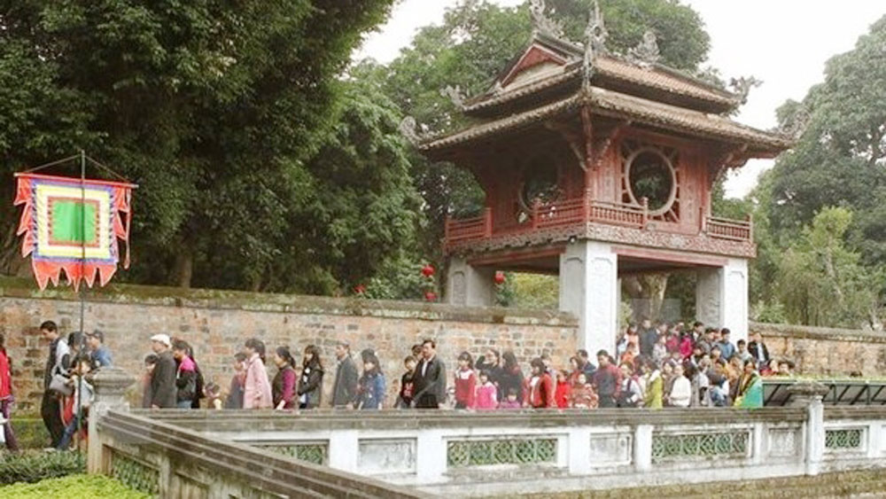 "Hanoi launches ""Golden Tour"""