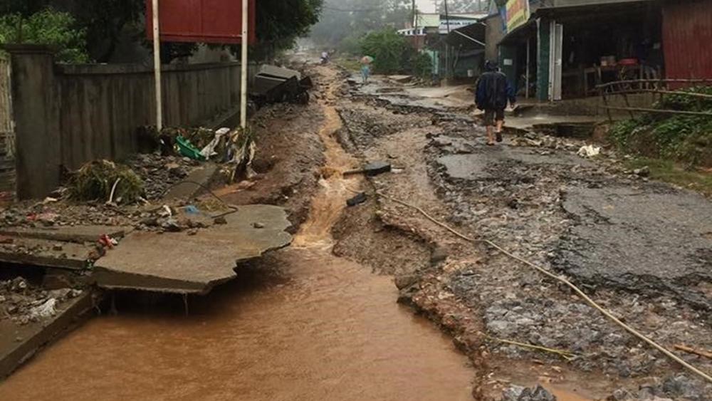 Lũ lụt kinh hoàng: 20 người chết, 12 người mất tích, hàng nghìn ngôi nhà bị nhấn chìm