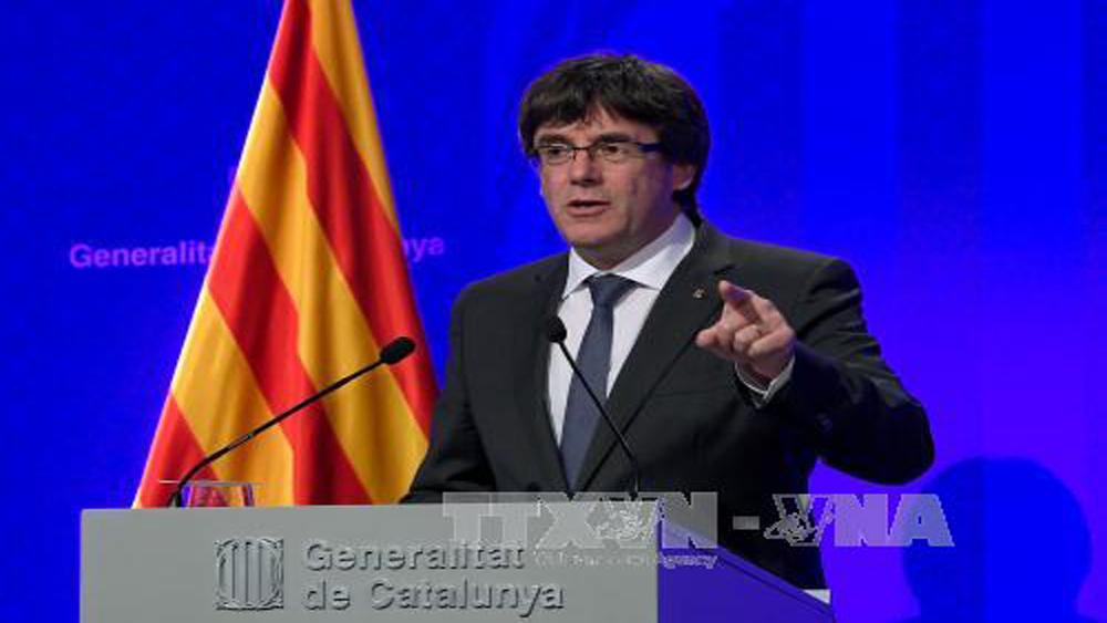 Thủ hiến Catalonia có 5 ngày làm rõ lập trường về độc lập