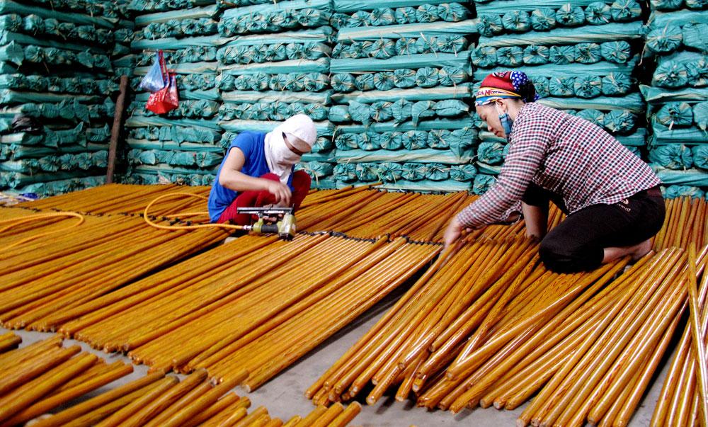 Khởi nghiệp, từ gỗ loại, nông dân,  Lê Văn Hoan