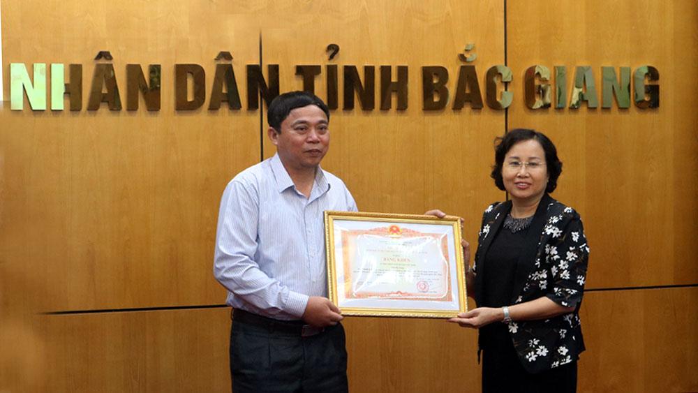 Thủ tướng Nguyễn Xuân Phúc: Tạo điều kiện cho người dân tiếp cận vốn tín dụng chính sách