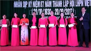 Giao lưu các câu lạc bộ Quan họ - Tặng quà phụ nữ nghèo