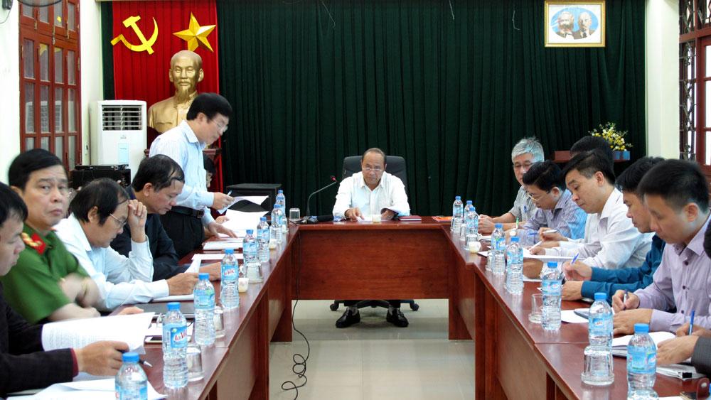 Chủ tịch UBND tỉnh Nguyễn Văn Linh làm việc tại Ban Quản lý các KCN tỉnh